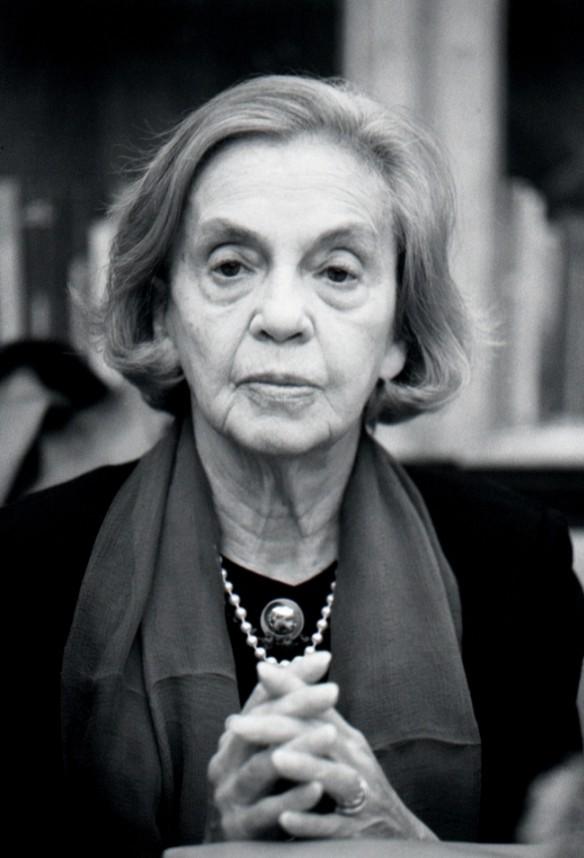 As pessoas sensíveis Analysis by Sophia de Mello Breyner Andresen
