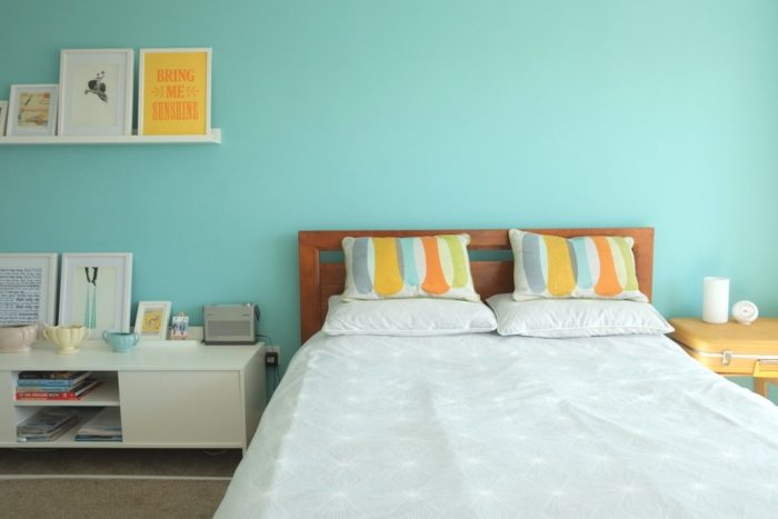 Clarence street guest room - large king size bed