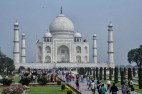 Built between 1632 and 1654 it took 22 years to complete. It required 20,000 people and 1000 elephants.