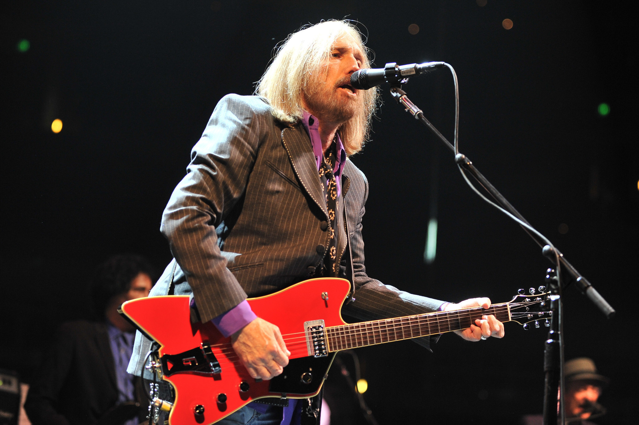 tom petty and the heartbreakers live on 40th anniversary tour. Black Bedroom Furniture Sets. Home Design Ideas