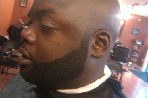 Medium curly beard style