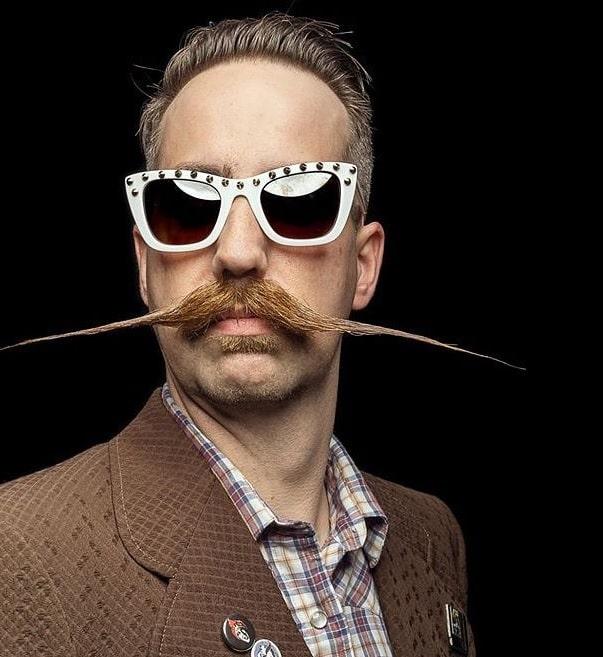 styling an english mustache