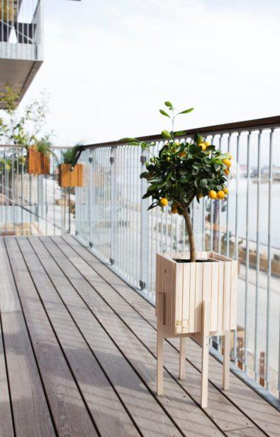 frustration-free-diy-deck-outdoor-space