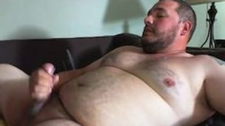 Chub shooting big load all over himself on cam