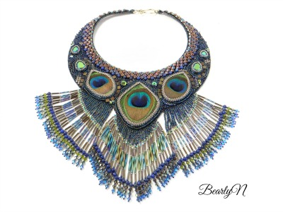 Plastron Proud Peacock_BearlyN