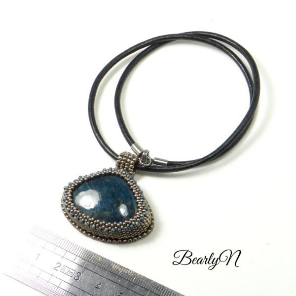 médaillon apatite bleue_BearlyN