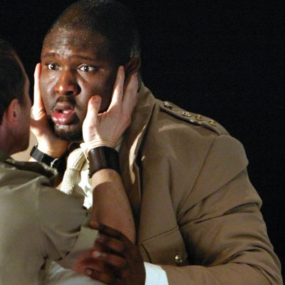 nonso-anozie-as-othello-04.jpg