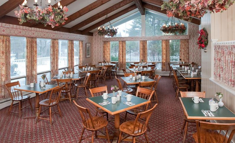 golden-eagle-resort-stowe-vermont-dining-room