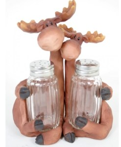 Moose Couple Salt & Pepper Shaker Set