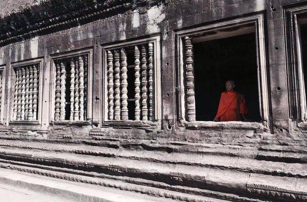 Slow life - Vietnam Monk -be artist be art