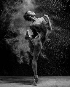 Ballerina´s Delicate & Raw Emotions - by Olga Kuraeva - be artist be art magazine