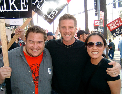 """Desperate Housewives"" star Doug Savant hugs me & Wan @ NBC (Nov. 16, 2007)"