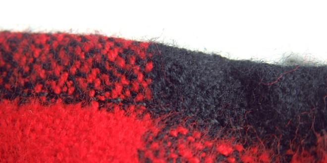 愛犬を暖かく包み込む、フランネルシャツ。by Dog Threads