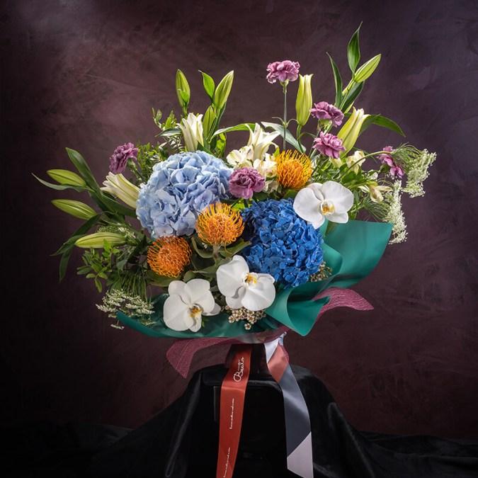 Luminous Podium Bouquet