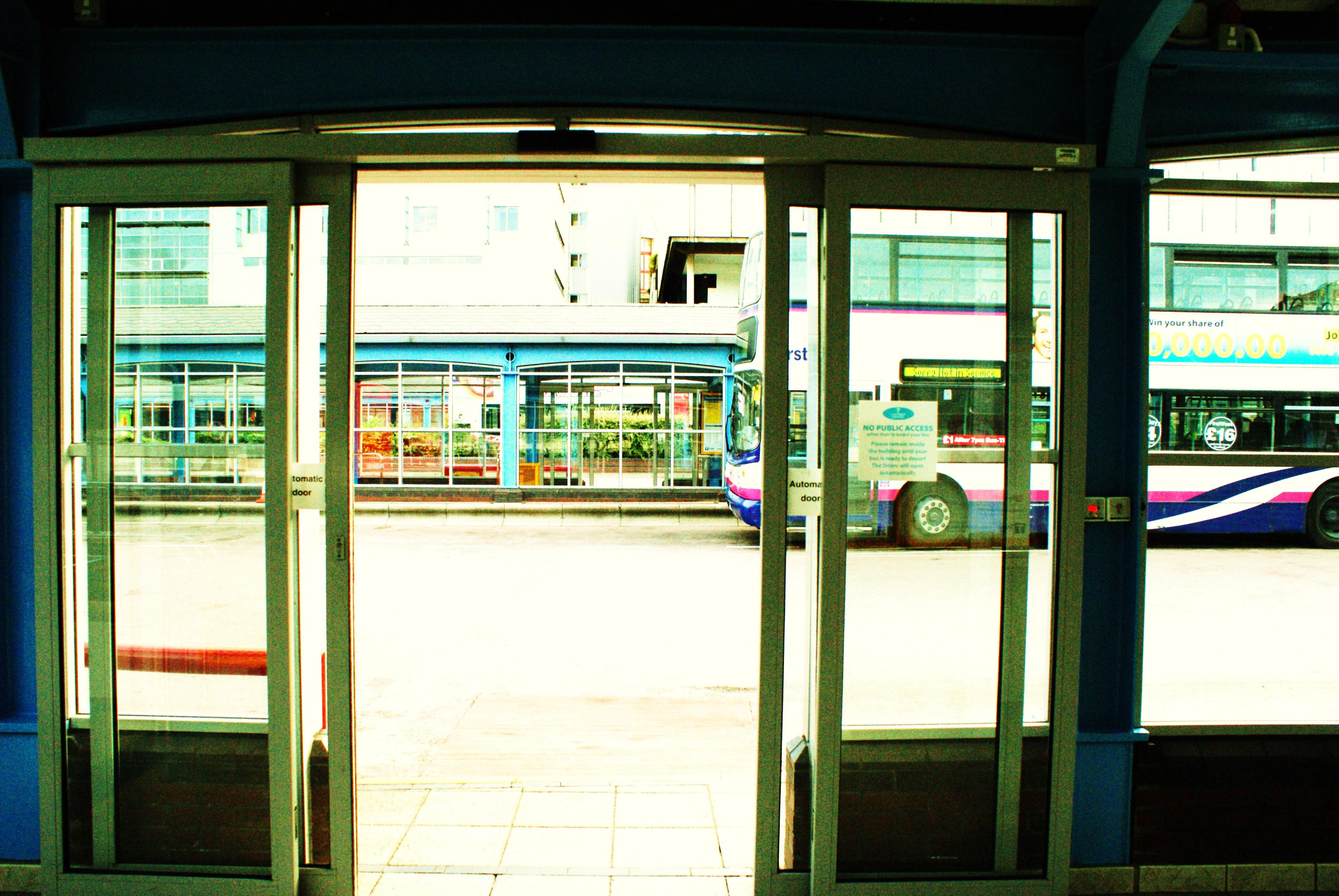 series [ door ]