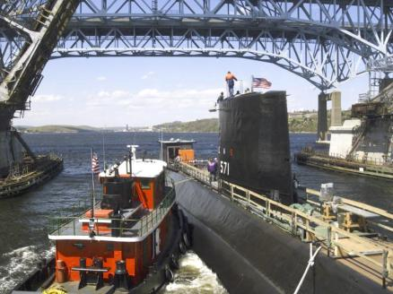 Nautilus_(SSN_571)_Groton_CT_2002_May_08