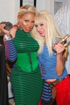 Lil-Kim-and-Betsey-Johnson-at-Betsey-Johnson