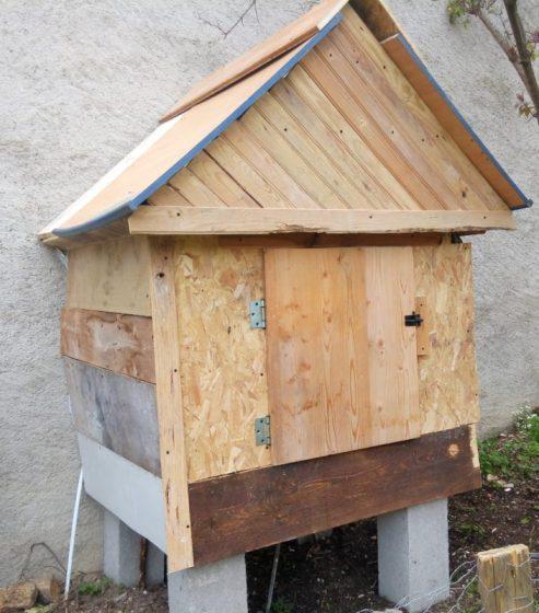 poulailler fait maison pour nos poules