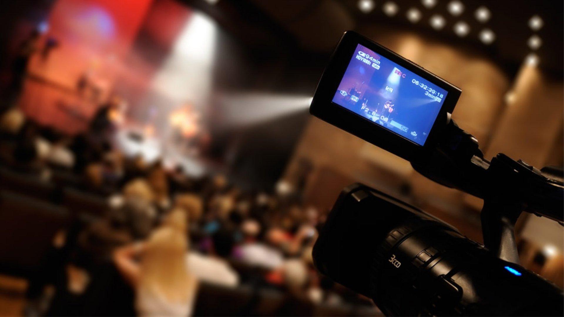 streaming-:-huit-internautes-sur-dix-ont-achete-un-service-ou-un-produit-apres-avoir-regarde-sa-video-en-ligne.-optez-pour-un-live-professionnel-!