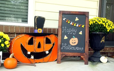 Guest Post – Curly Crafty Mom's Halloween Home Tour