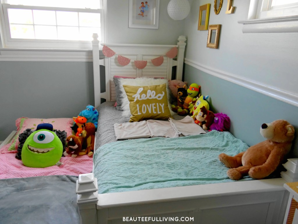 Girls Room with Stuffed animals - Beauteeful Living