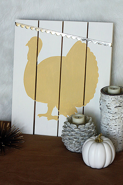 Neutral Turkey Pallet Sign – Curly Crafty Mom Guest Post