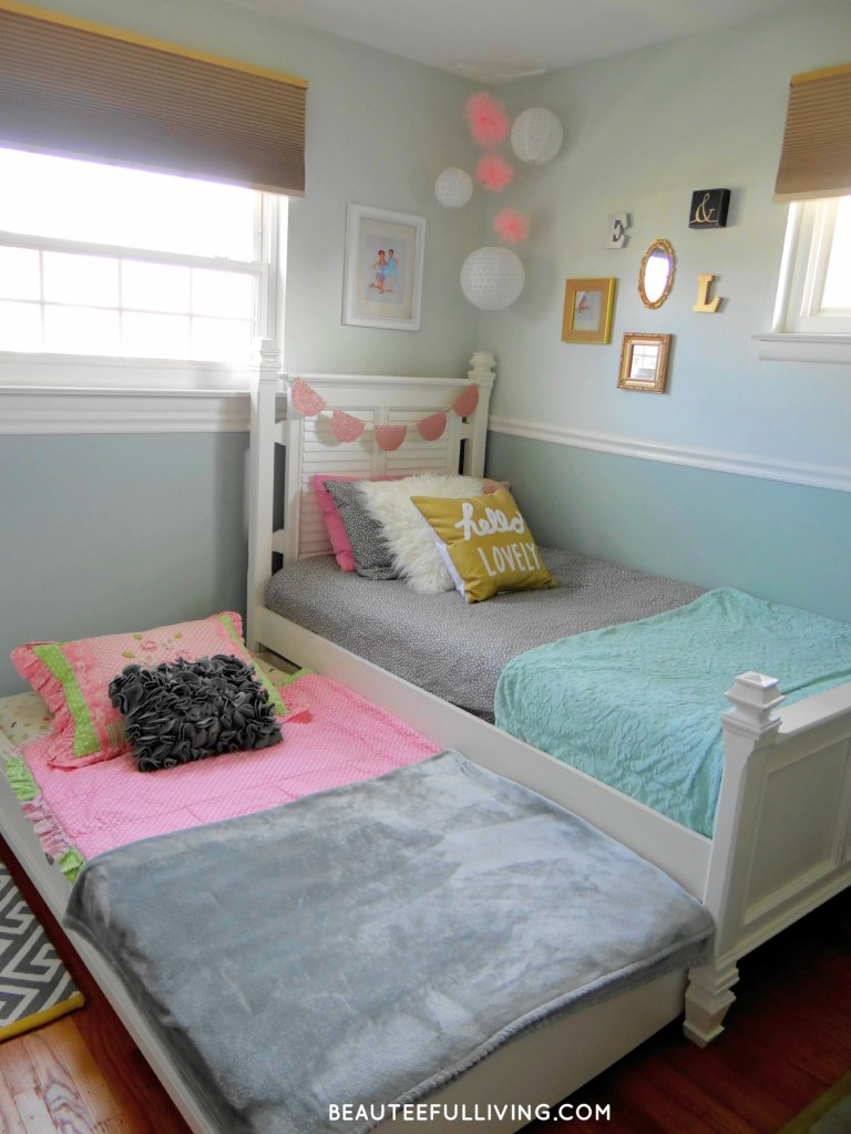 White twin bed and trundle - Beauteeful Living