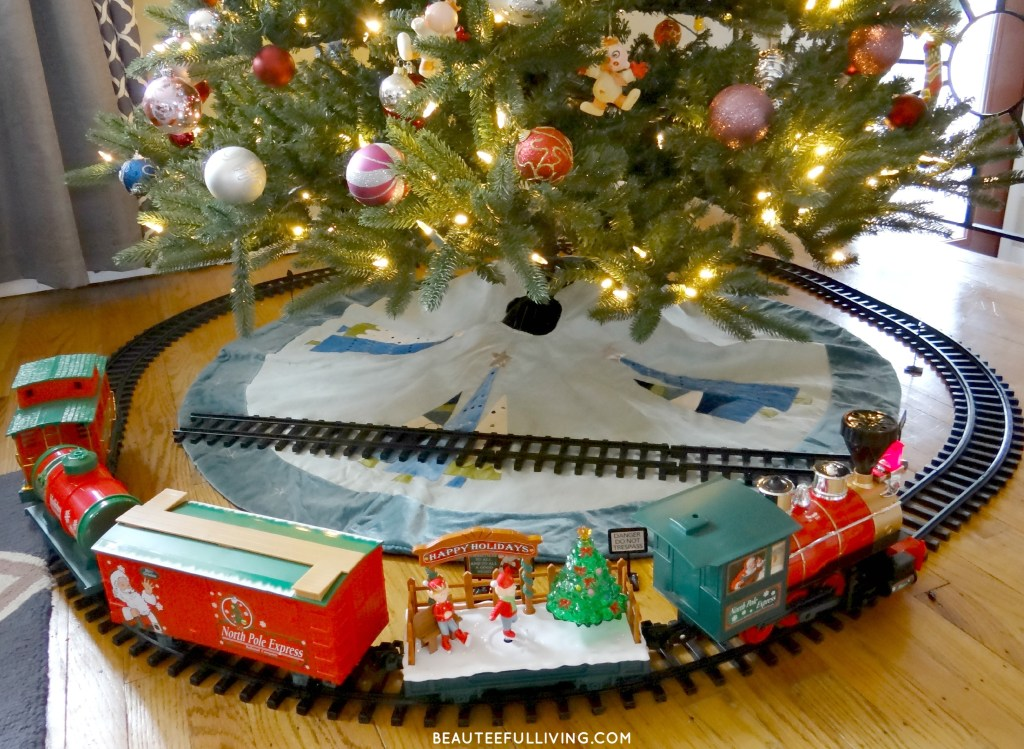 Christmas Train Set - Beauteeful Living