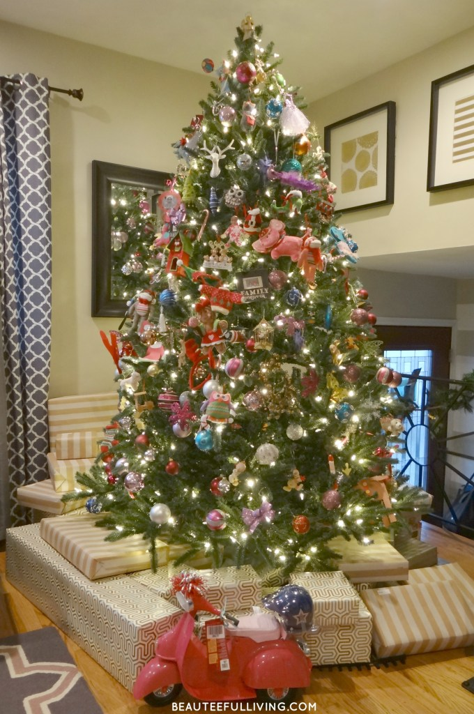 Christmas Tree with Presents - Beauteeful Living