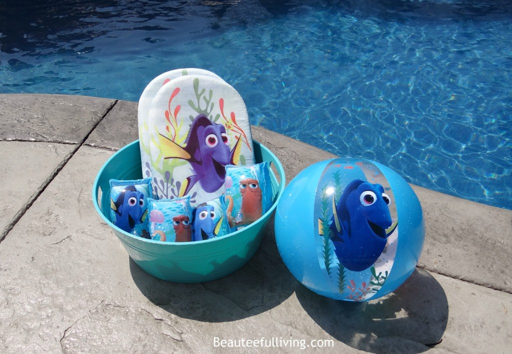 Finding Dory swim accessories1
