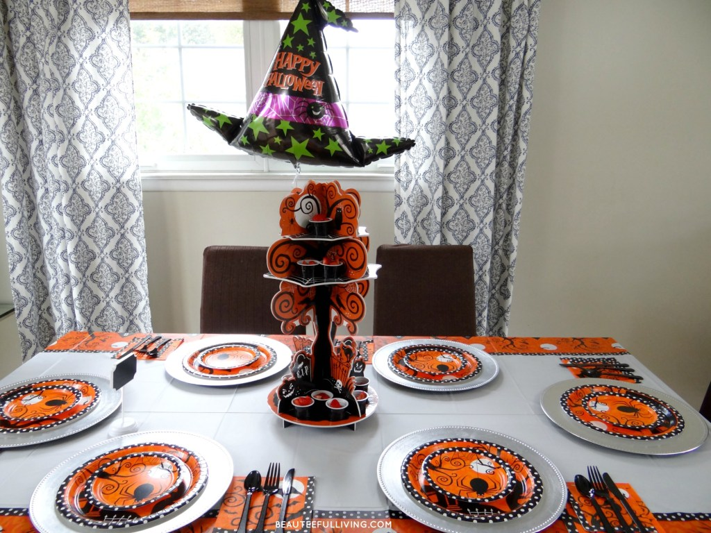 halloween-party-tablescape-party-city