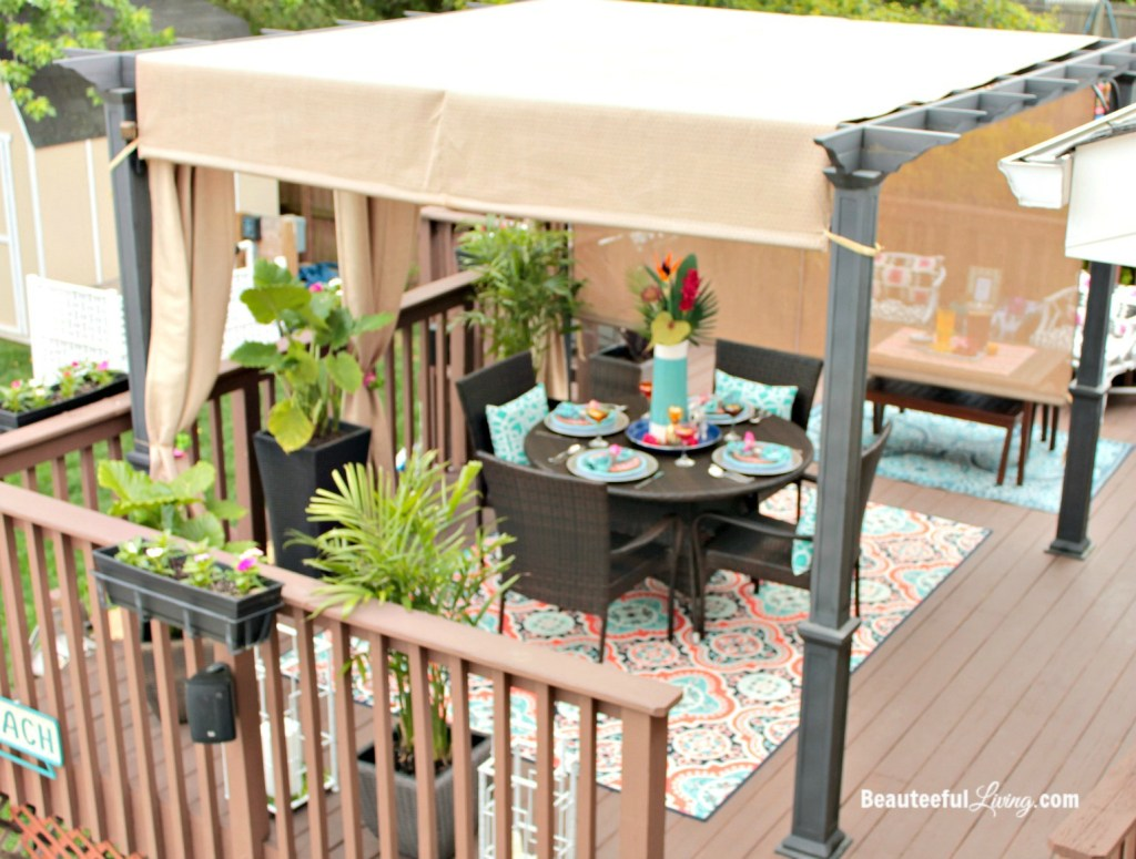 Outdoor pergola decor - Beauteeful Living
