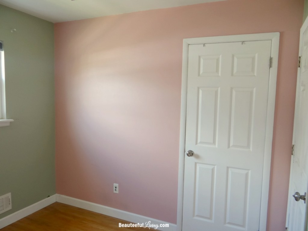 Small bedroom - closet wall