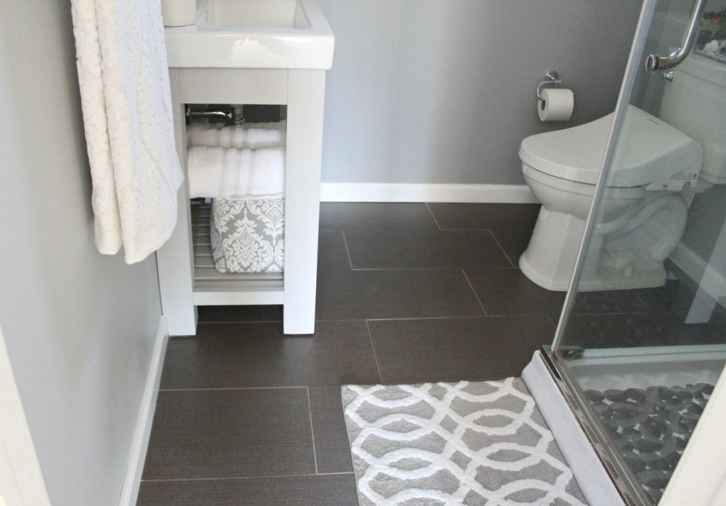 Gray bathroom tiles - Beauteeful Living