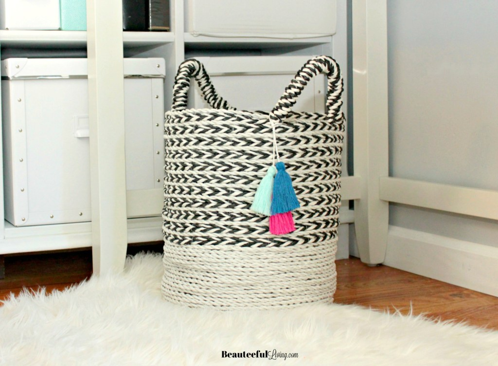 Woven black and white basket - Beauteeful Living