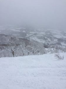 img 2260 225x300 - ニセコの禁止区域「春の滝」で雪崩発生〜ニセコ移住日記㉛〜