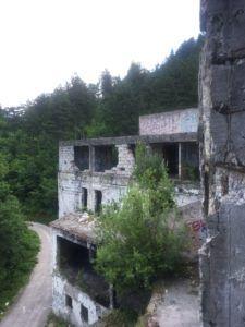 img 3409 225x300 - ボスニア・ヘルツェゴビナの首都サラエボdeドライブ