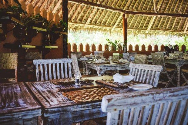 moniquedecaro-kenya-chale-island-074