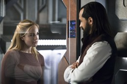 "DC's Legends of Tomorrow --""River of Time""-- Image LGN114a_0176b.jpg -- Pictured (L-R): Caity Lotz as Sara Lance/White Canary and Casper Crump as Vandal Savage -- Photo: Diyah Pera/The CW -- © 2016 The CW Network, LLC. All Rights Reserved."