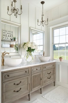 white farmhouse master bathroom decor ideas