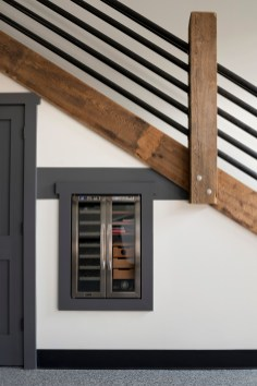 wood texture in urban cabin
