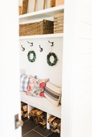 Farmhouse Mudroom Decor