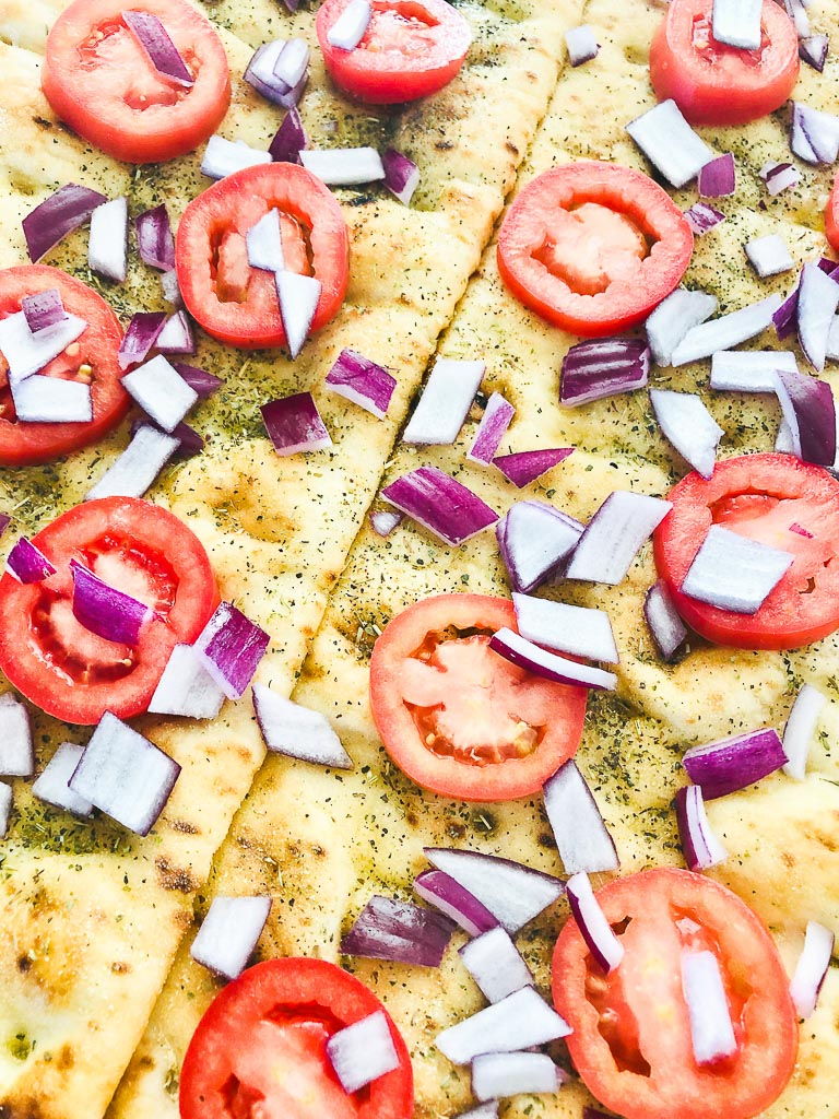 Balsamic Chicken Flatbread Recipe
