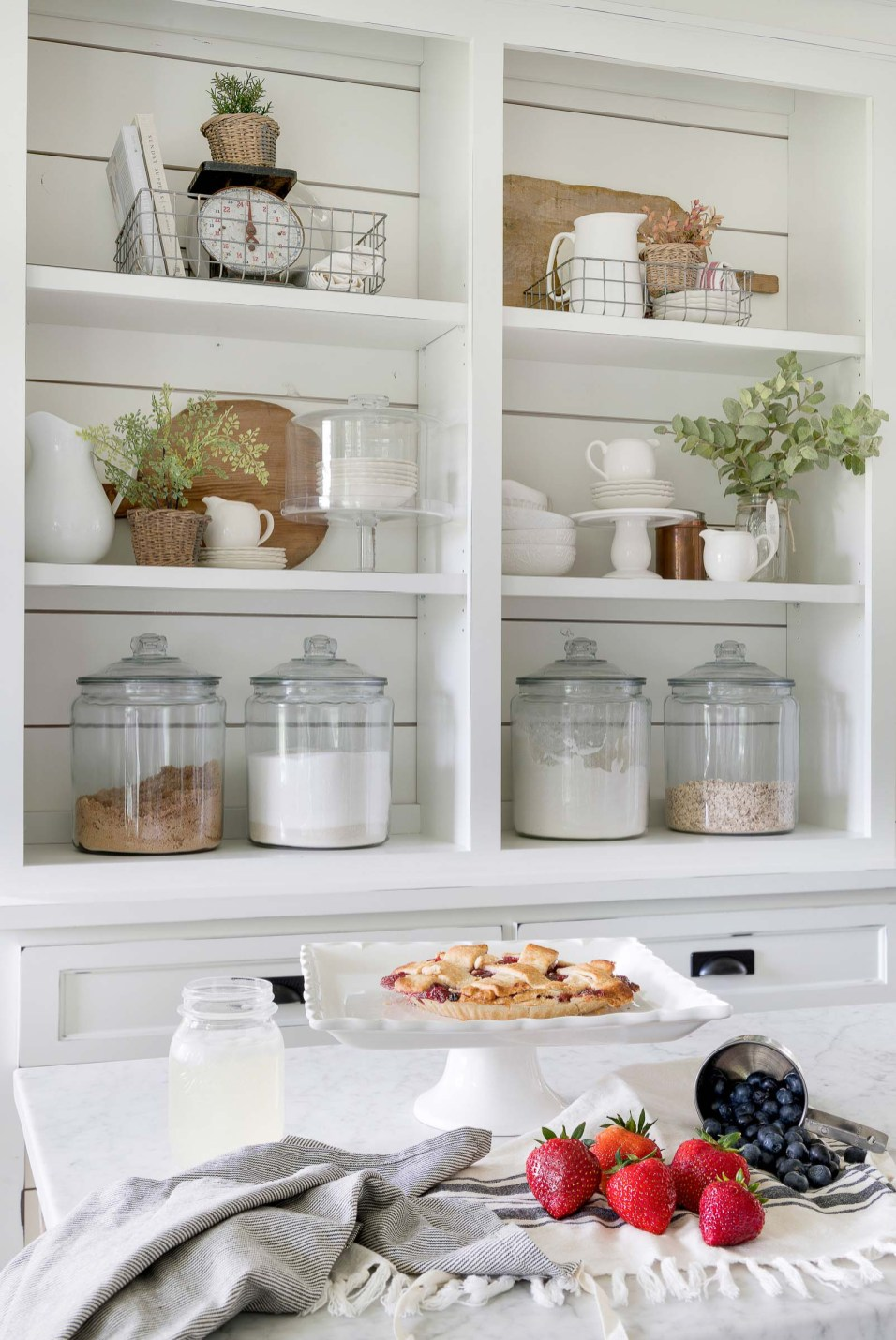 White Kitchen Summer
