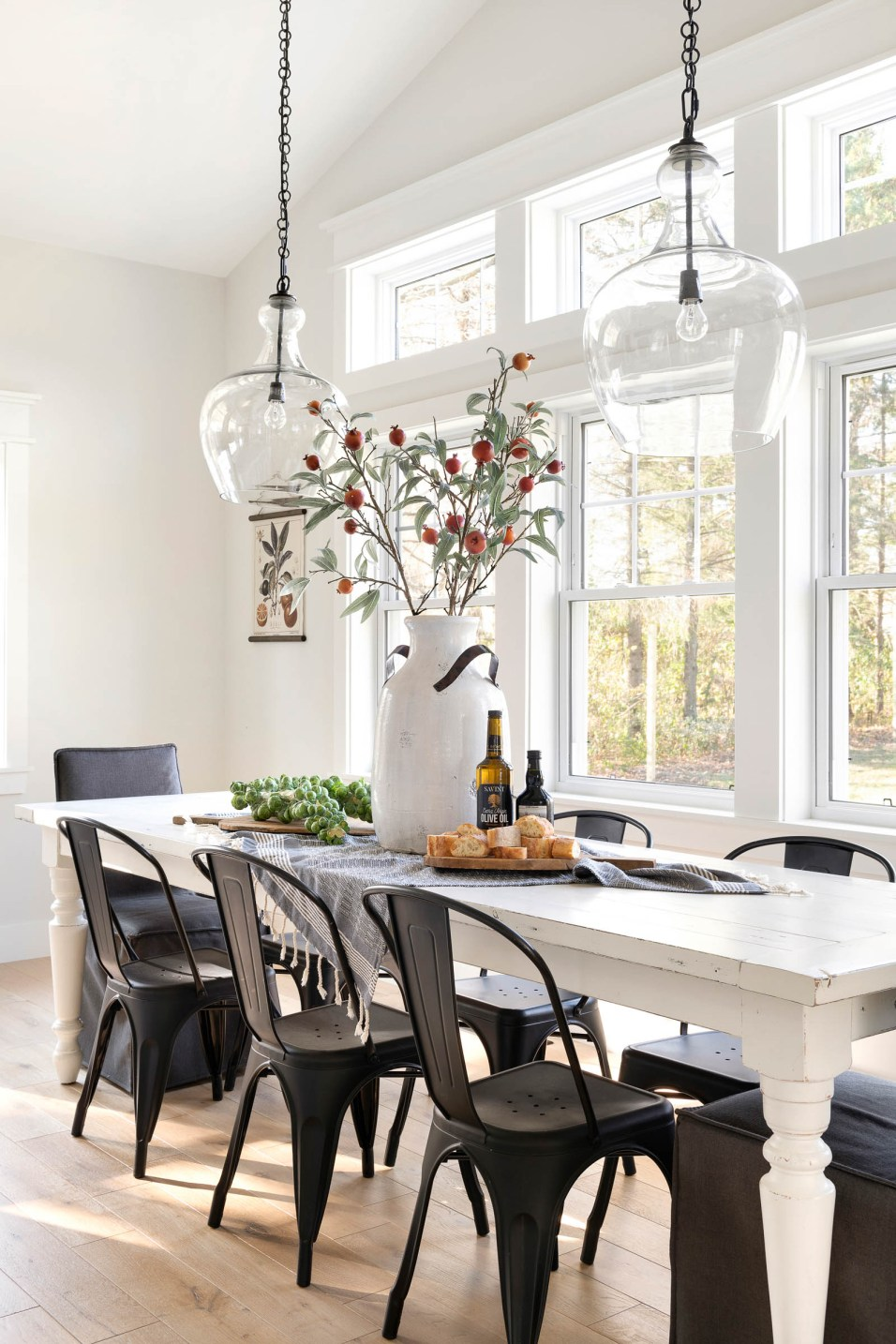 how to decorate farmhouse dining table
