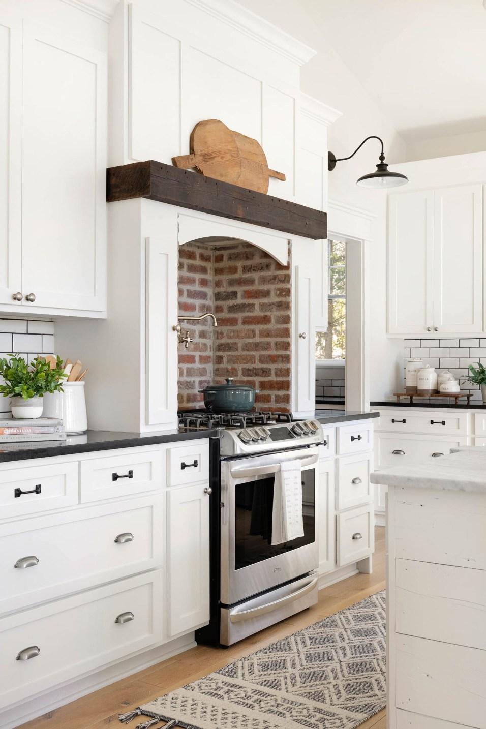 how to decorate farmhouse kitchen