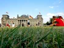 Berlin's Reichstag Building - The Parliament House and its Grounds - Read on at www.beautifulfillment.com