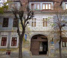 Hidden Streets of Sibiu, Romania - Anika Mikkelson - Miss Maps - www.MissMaps.com
