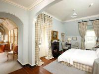 The Elegant Victorian Master Bedroom Concept