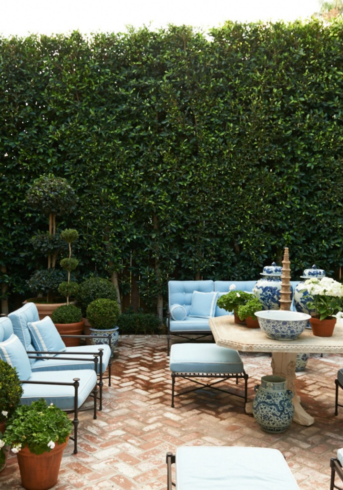How to create a hollywood hills garden beautiful house for Creating a beautiful garden